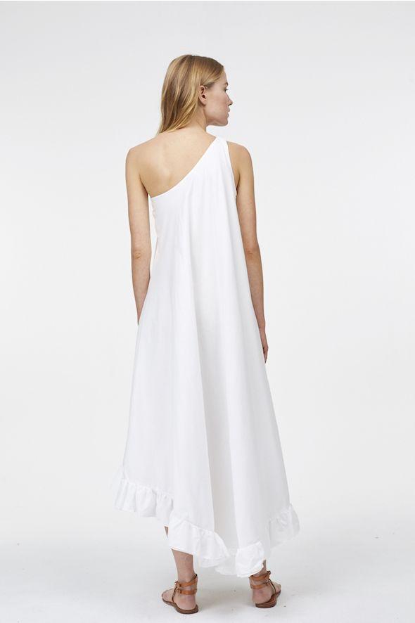 Robe épaules asymétriques